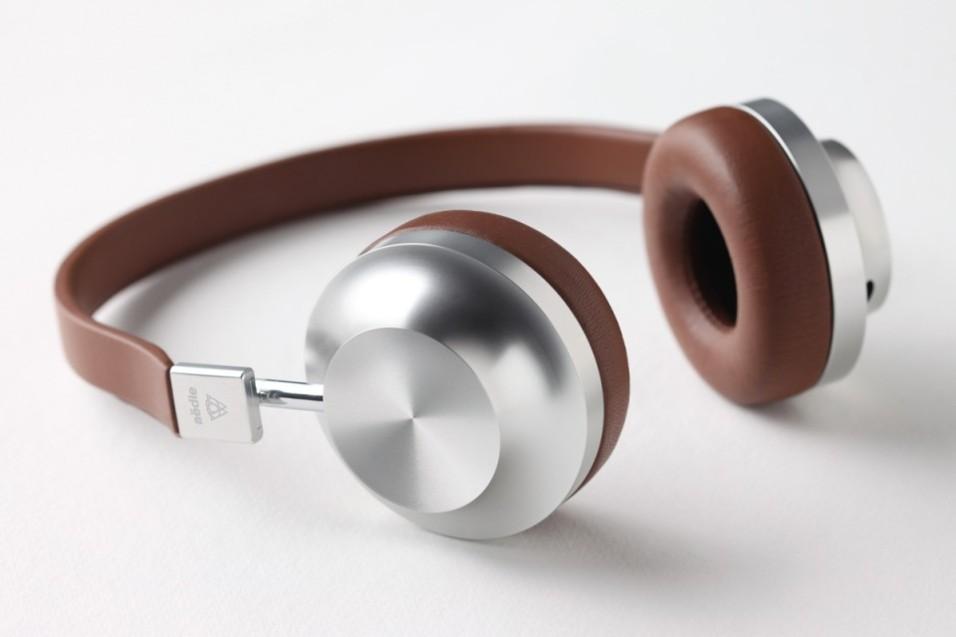 aedle-vk-2-headphones-02-960x640