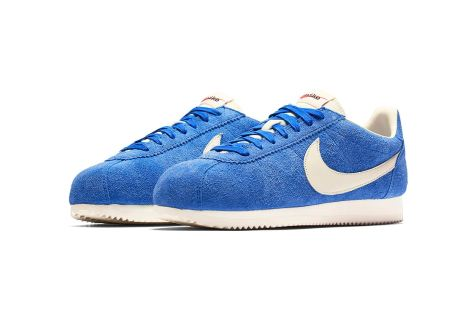http-hypebeast.comimage201707nike-cortez-kenny-moore-white-blue-yellow-4