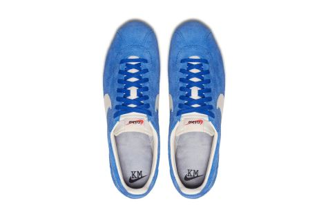 http-hypebeast.comimage201707nike-cortez-kenny-moore-white-blue-yellow-5