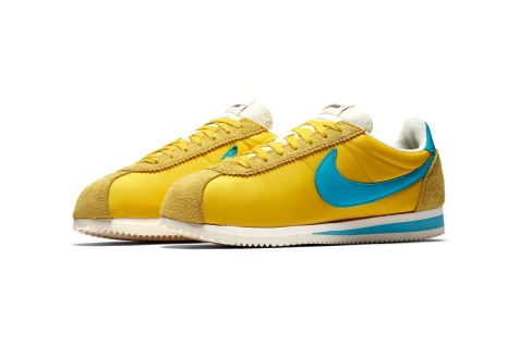 http-hypebeast.comimage201707nike-cortez-kenny-moore-white-blue-yellow-7
