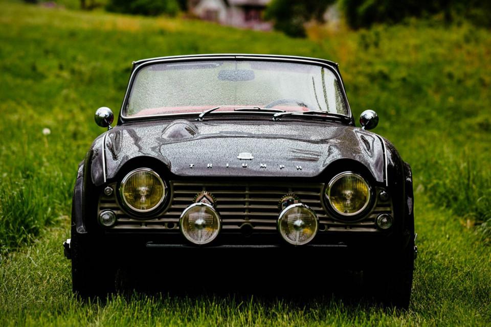 1961-triumph-tr4-0021-960x640