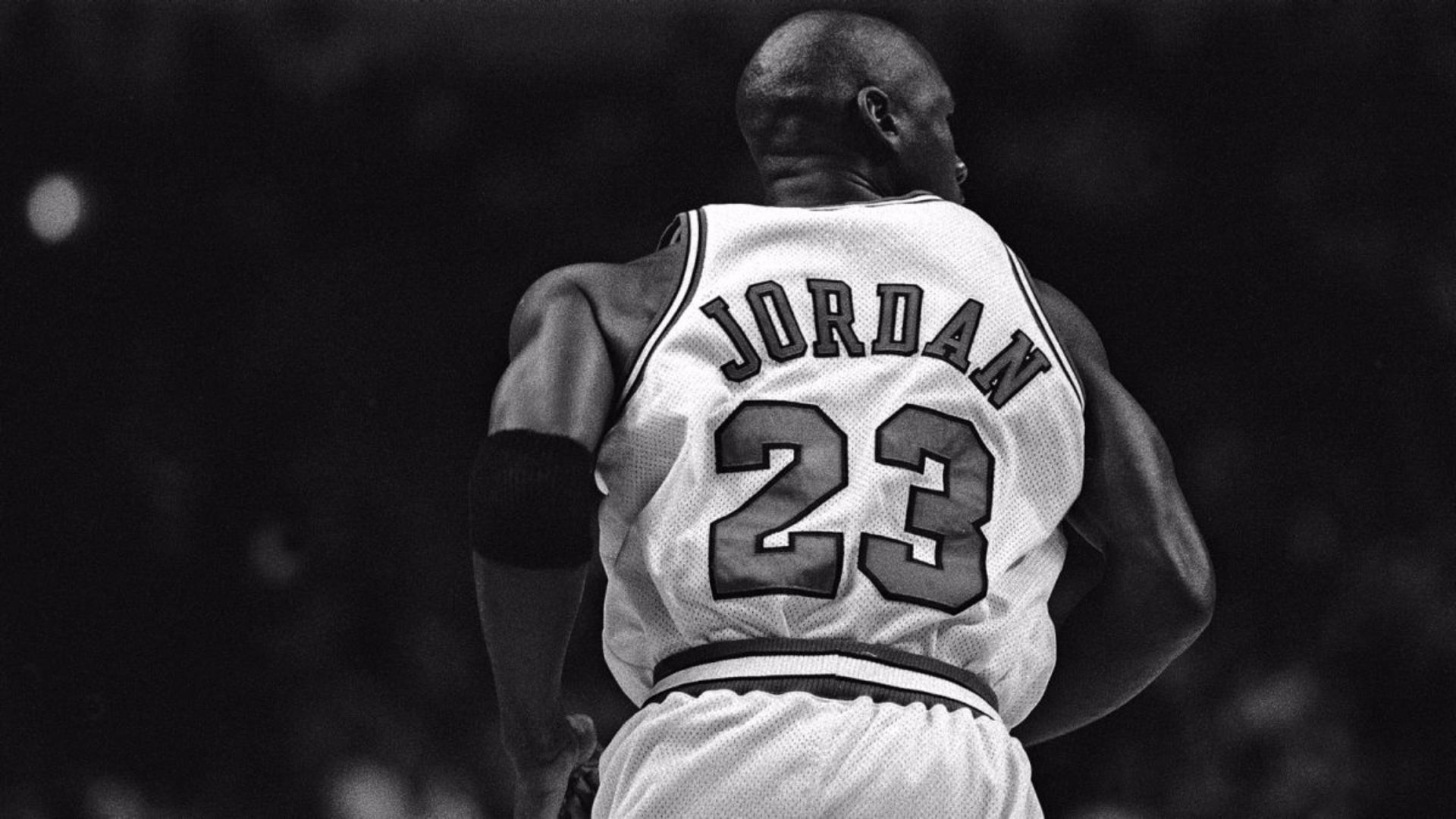 michael-jordan-black-and-white-Wallpaper-HD-number-Xh1
