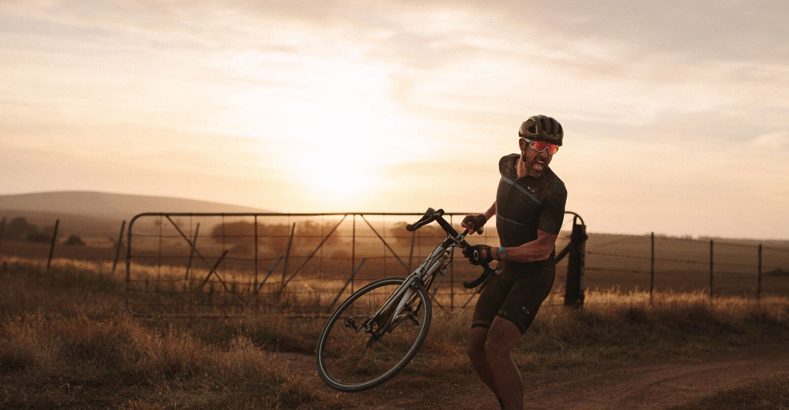 OAKLEY_ONE-OBSESSION_18_Cyclist - Throw Your Toys_preview